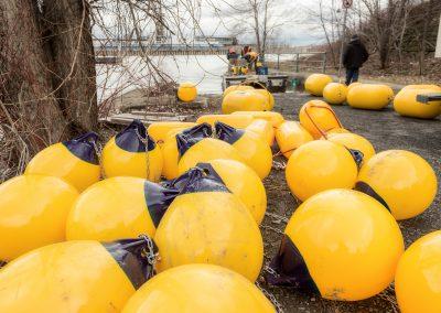 Port_Installation_Ballons-marqueurs-et-estacade-de-sécurité